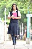 Gelukkige Studente Walking To School royalty-vrije stock foto