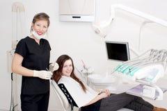Gelukkige tandarts en patiënt Stock Fotografie