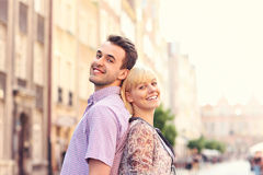 Gelukkige toeristen in de oude Stad Stock Fotografie
