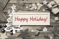 Gelukkige Vakantie - de sjofele elegante kaart van stijlkerstmis in grijs, rood stock foto's