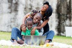 Gelukkige verenigde familie royalty-vrije stock afbeelding