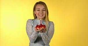 Gelukkige verjaardag - vieringscake stock videobeelden