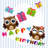 Gelukkige verjaardagskaart met leuke uilen Stock Afbeeldingen