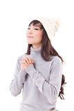 Gelukkige vrouw die van de winter genieten Stock Afbeeldingen