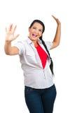 Gelukkige vrouw met omhoog wapens Royalty-vrije Stock Afbeeldingen