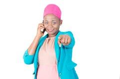 Gelukkige vrouw op de telefoon Stock Fotografie