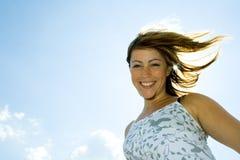 Gelukkige vrouw in openlucht Royalty-vrije Stock Afbeeldingen