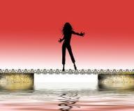 Gelukkige vrouw over water   Stock Foto's