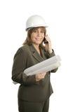 Gelukkige Vrouwelijke Architect op Telefoon Stock Foto's