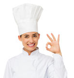 Gelukkige Vrouwelijke Chef-kok Gesturing Okay Royalty-vrije Stock Fotografie