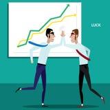 Gelukkige zakenlieden die vijf geven Stock Afbeelding