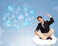 Gelukkige zakenmanzitting op wolk met wolk gegevensverwerking stock afbeelding