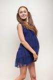 Gelukkige zwangere vrouw royalty-vrije stock afbeelding