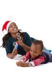 Gelukkige zwarte babyjongen met mamma stock fotografie