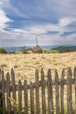 Gemähte Wiese in den Karpatenbergen Rumänien Lizenzfreie Stockfotografie