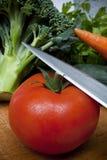 Gemüse auf dem Ausschnittvorstand Lizenzfreie Stockfotografie