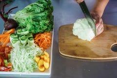 Gemüse auf dem Einkaufsblock stockfotografie