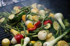 Gemüse auf dem Grill lizenzfreie stockfotos