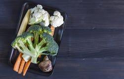 Gemüse auf dem hölzernen Hintergrund Gemüse für Gesundheit Stockbilder
