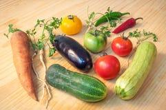 Gemüse auf der Tabelle Lizenzfreie Stockfotografie
