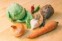 Gemüse auf der Tabelle Stockfotos