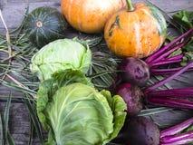 Gemüse auf einem hölzernen Hintergrund Stockfoto