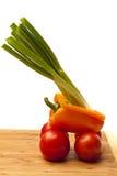 Gemüse auf einem kitcken bord Lizenzfreie Stockfotos