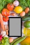 Gemüse auf einer weißen Tabelle, Draufsicht Lizenzfreie Stockfotografie