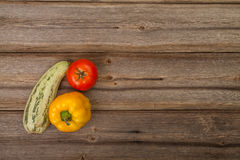 Gemüse auf hölzerner Tabelle Stockfotos