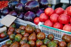 Gemüse in den Kästen Stockfotografie