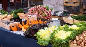 Gemüse in einem Markt stockbild