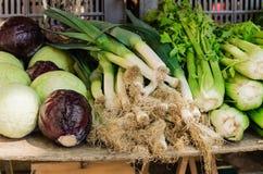 Gemüse für Verkauf auf dem Markt stockfoto