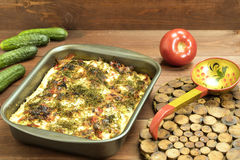 Gemüse gebacken mit Tomaten und Gurken Stockfoto
