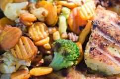 Gemüse gebraten auf Kohlen lizenzfreie stockbilder