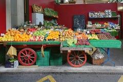 Gemüse im Kasten stockbild