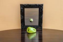 Gemüse im Spiegel stockbild