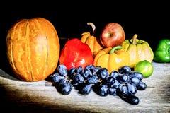 Gemüse, Kräuter und Frucht Stockfoto