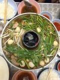 Gemüse, Rindfleisch und Schweinefleisch Hotpot Stockbild