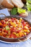 Gemüse und Bohneneintopfgericht stockfotos