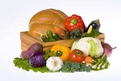 Gemüse und Brotlaib Stockfoto