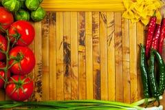 Gemüse und Isolationsschlauch Stockbild