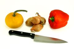 Gemüse und Messer Lizenzfreie Stockfotografie