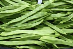 Gemüsebeschaffenheit der grünen Bohnen im Spanien-Markt Lizenzfreie Stockfotos