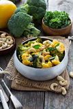 Gemüsecurry mit Acajounüssen Stockfotografie