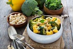 Gemüsecurry mit Acajounüssen Lizenzfreies Stockfoto