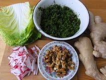 Gemüsekohl und Grünkochen Lizenzfreies Stockfoto