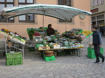 Gemüsemarkt-Standplatz stockfotos