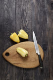 Gemüsepaprika im Holz Lizenzfreie Stockfotografie