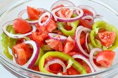 Gemüsesalat in einer Glasschüssel Lizenzfreie Stockfotos