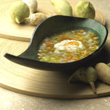Gemüsesuppe mit Ei 01 Stockfotos